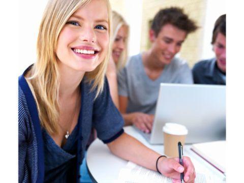 student-college-make-money-in-college-020811-de.jpg