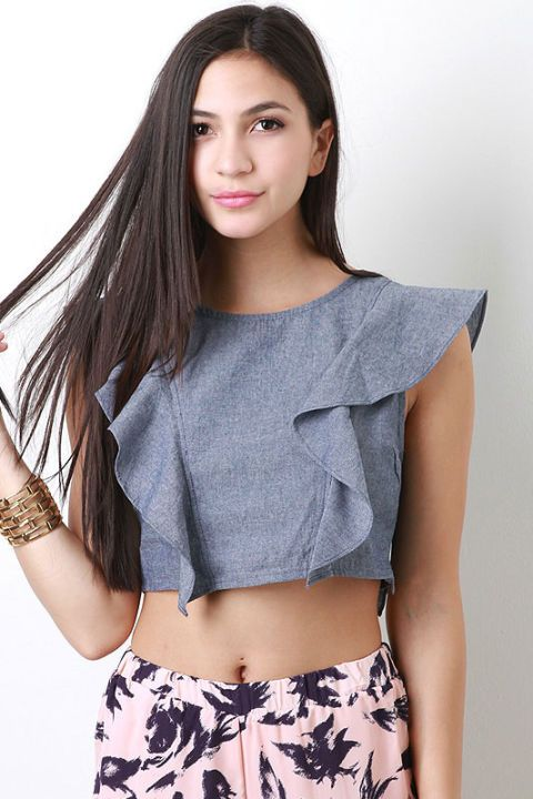 Clothing, Sleeve, Skin, Shoulder, Joint, Waist, Elbow, Style, Pattern, Trunk,