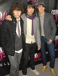 jonas brothers at an event