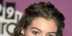 Anne Hathaway - 1999