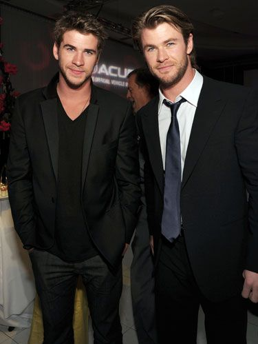 chris and liam hemsworth at the thor premiere