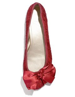 red flat with bows