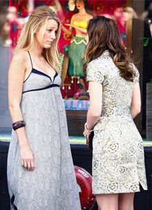 blake lively taping gossip girl with leighton meester july 2009