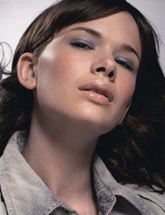 model with smoky gray eye shadow