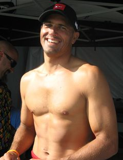 shirtless kelly slater