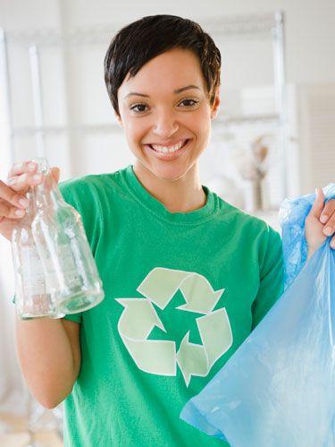 girl-recycling-make-money-in-college-020811-de.jpg