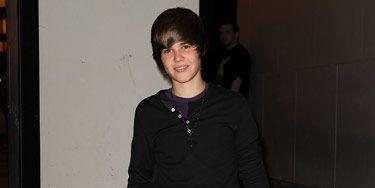 1-Justin-Bieber-Makeover-111510-de.jpg