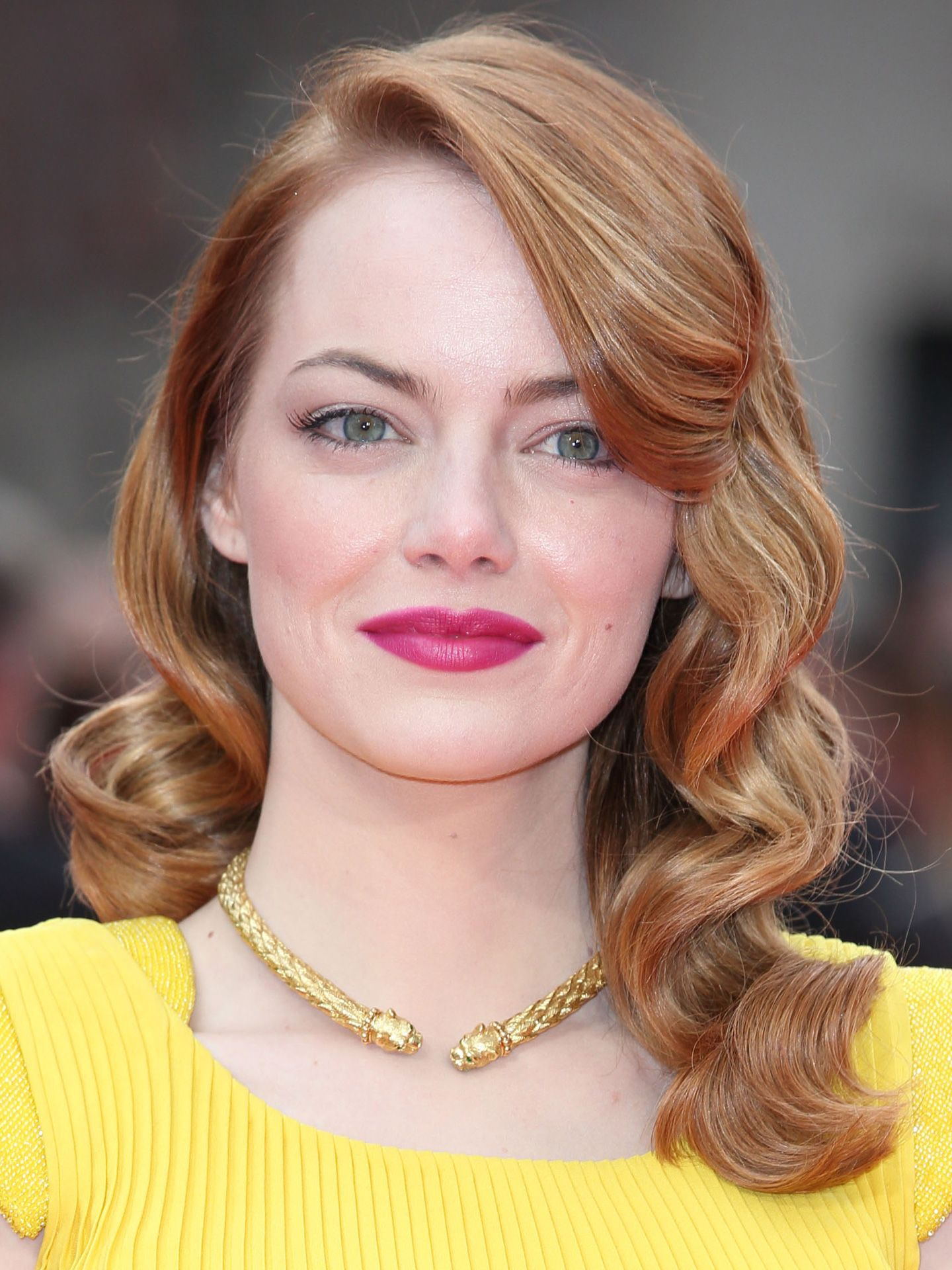 Emma stone hair and makeup pictures of emma stones hairstyles emma stone hair and makeup pictures of emma stones hairstyles and beauty looks urmus Choice Image