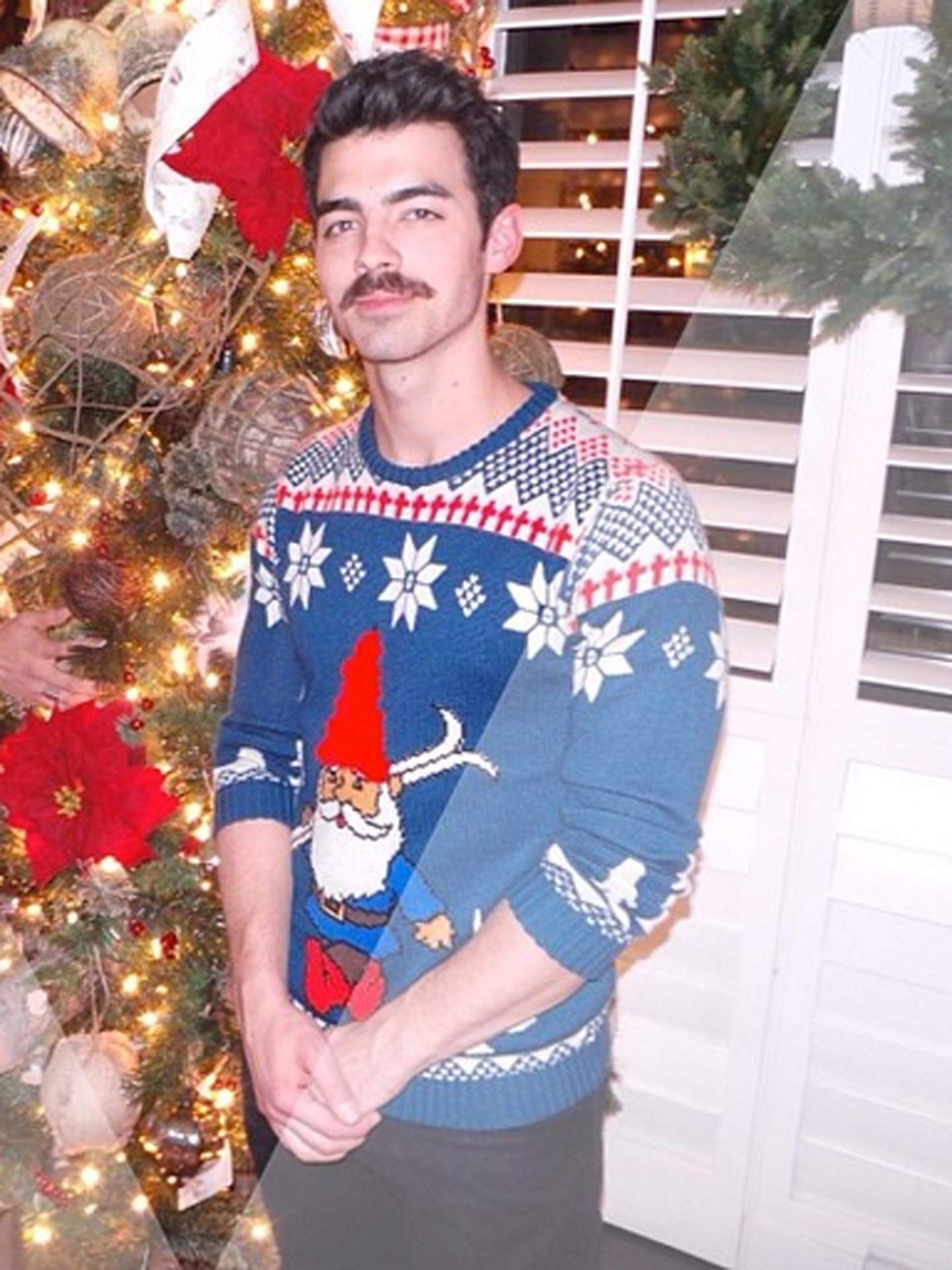 Celebrities Wearing Christmas Sweaters - The Best Tacky Christmas ...