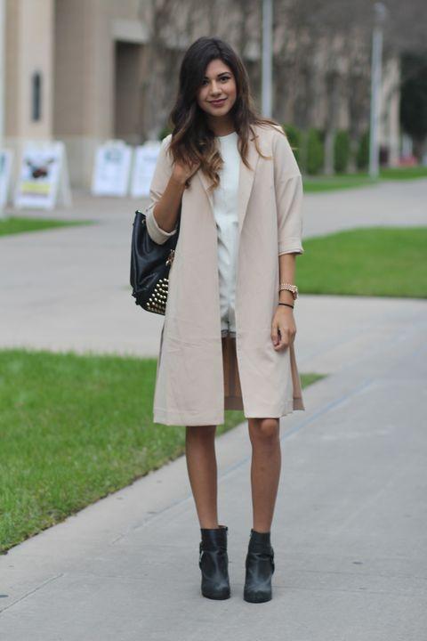Clothing, Sleeve, Outerwear, Bag, Boot, Fashion accessory, Style, Street fashion, Knee, Fashion model,