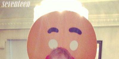 Orange, Baby & toddler clothing, Costume, Photo caption,