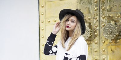 Clothing, Outerwear, Bag, Hat, Style, Fashion accessory, Street fashion, Sun hat, Fashion, Black,