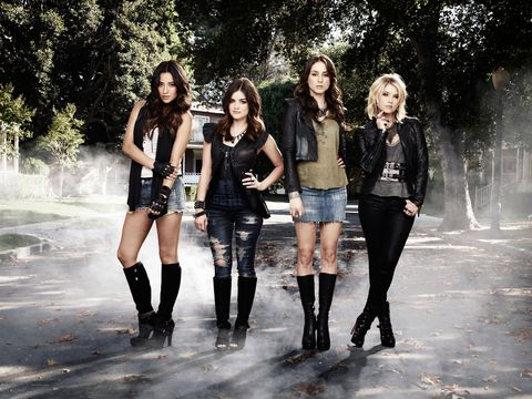 aria, hanna, spencer, and emily, pretty little liars