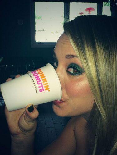 Kaley Cuoco Dunkin Donuts