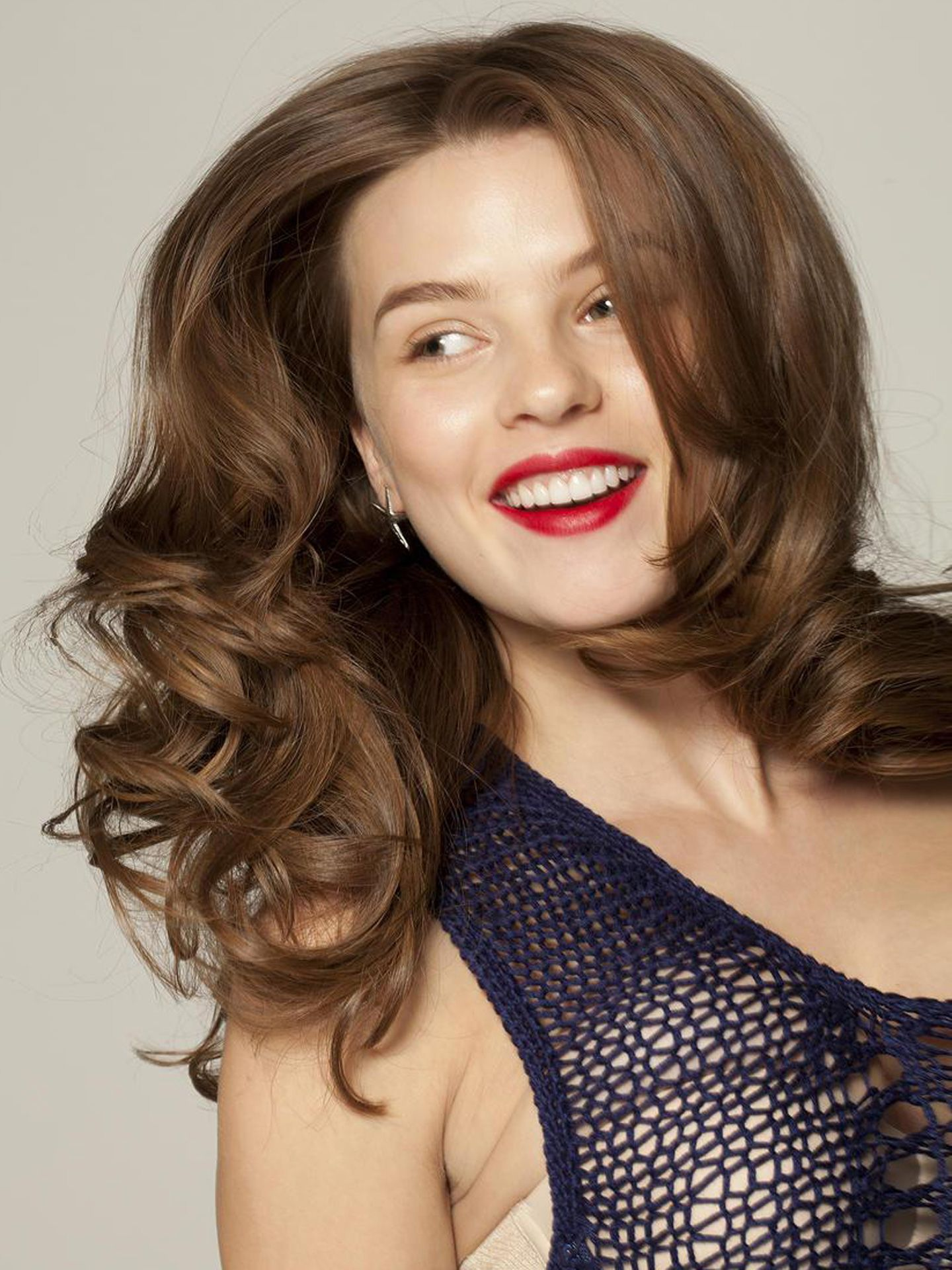 5 Cute Flat Iron Hairstyle Ideas - How To Style Hair With A ...