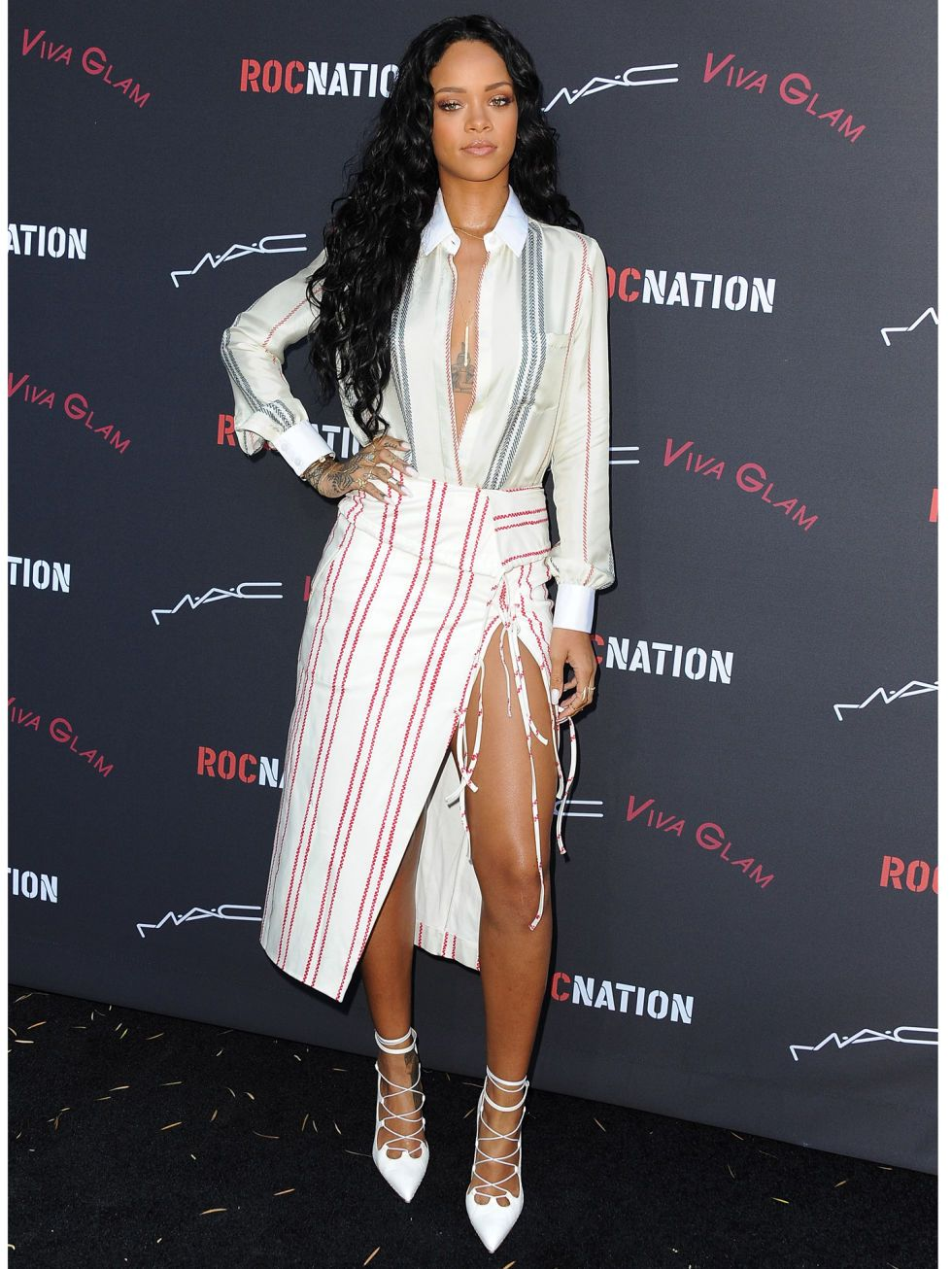 Rihanna Casual Fashion Style 2014 Images Galleries With A Bite