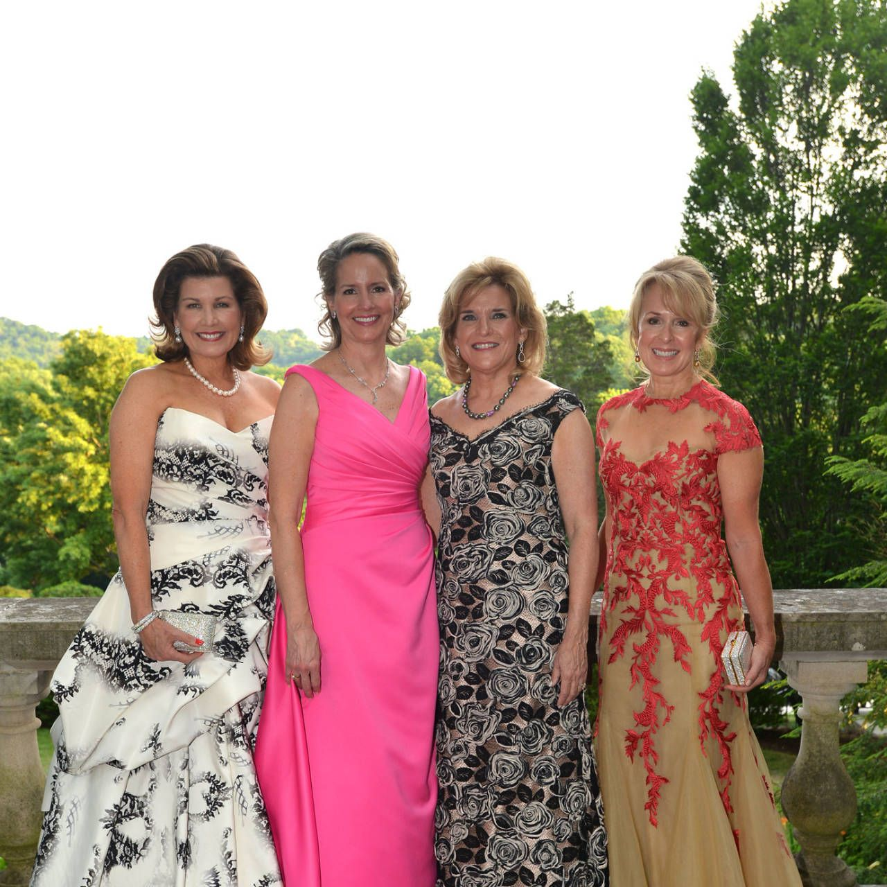 """This past Saturday in Nashville, 850 Tennesseans in white tie attended the Swan Ball at Cheekwood. The event, now in its 51st year, benefits the Botanical Garden and Museum of Art. A 55-acre estate built by the Cheek family that made itsfortune through Maxwell House Coffee, Cheekwood opened to the public in 1960 and includes 11 specialty display gardens along with a collection of painting, sculpture, and decorative arts.  This year's Swan Ball honored decorator Mario Buatta, known as """"the Prince of Chintz,"""" and the Grammy Award-winning Kool & The Gang, known for hits like """"Celebration"""" and """"Ladies Night"""" provided the entertainment. Dinner was picked shrimp salad and espresso-rubbed black angus filet, and dessert, appropriately accompanied by Maxwell House Coffee, was a chocolate turtle tart."""