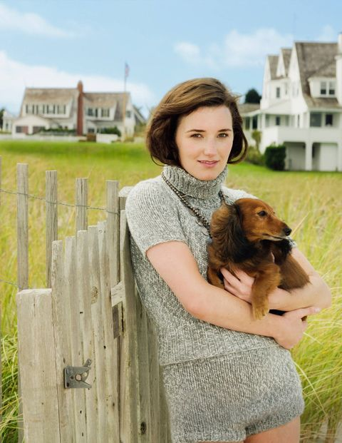 Human, Dog breed, Carnivore, Land lot, Dog, Brown hair, Companion dog, Fawn, Home fencing, Fur,