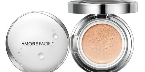 Experience the Korean breakthrough that changed the face of beauty. Powerful broad–spectrum SPF 50 protection, deep hydration, and complete coverage, all under one compact roof. Texture so light, you'll forget what foundation is. us.amorepacific.com