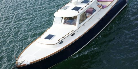 Watercraft, Boat, Naval architecture, Speedboat, Ship, Yacht, Luxury yacht, Boating, Water transportation, Boats and boating--Equipment and supplies,