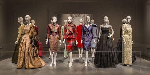 Dress, Costume design, Fashion, One-piece garment, Victorian fashion, Fashion design, heater, Gown, Mannequin, Day dress,
