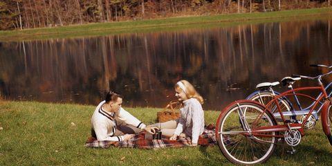 Wheel, Tire, Bicycle tire, Bicycle wheel, Bicycle wheel rim, Bicycle frame, Bicycle handlebar, Bicycle part, Bicycle fork, Bicycle accessory,