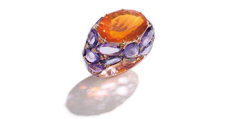 Brown, Jewellery, Amber, Violet, Purple, Natural material, Orange, Lavender, Macro photography, Maroon,