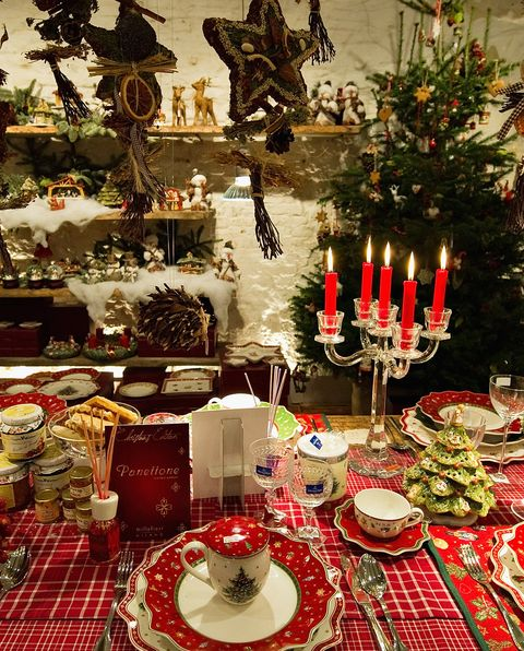 image - Christmas Dining Room Table Decorations