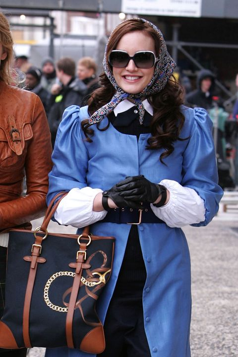 Style, Street fashion, Fashion accessory, Bag, Fashion, Sunglasses, Glove, Luggage and bags, Belt, Goggles,