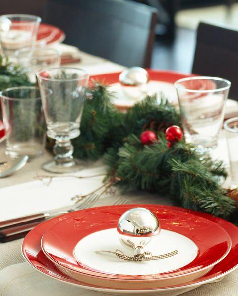 30 Elegant Christmas Table Settings Stylish Holiday Table Centerpieces