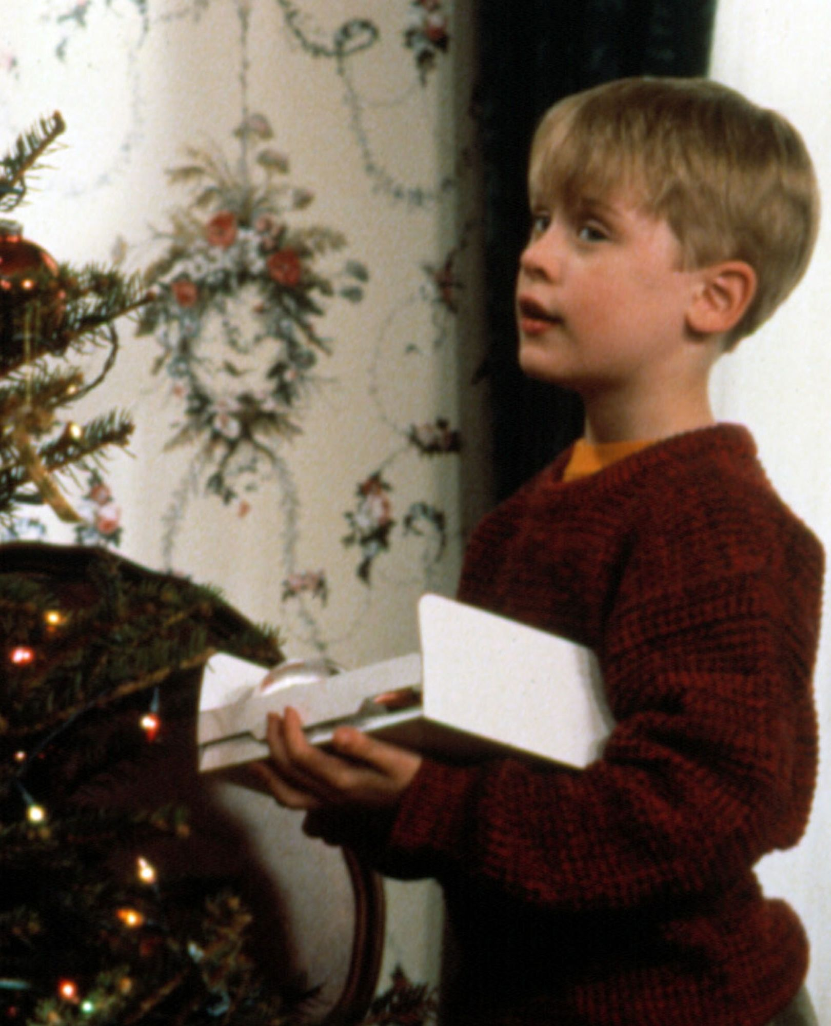 25 Classic Christmas Movies Best Holiday Films Of All Time