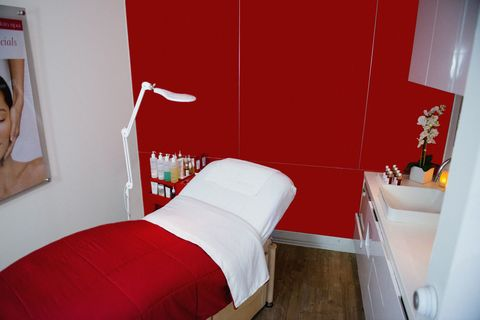 Room, Interior design, Textile, Red, Bed, Wall, Floor, Linens, Bedding, Bedroom,