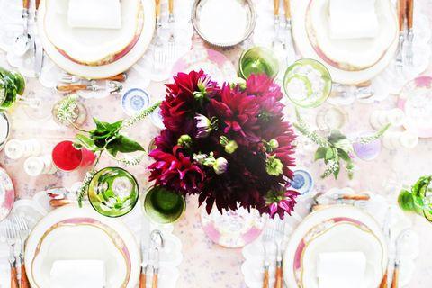 Dishware, Serveware, Flower, Bouquet, Petal, Pink, Cut flowers, Floristry, Flower Arranging, Centrepiece,