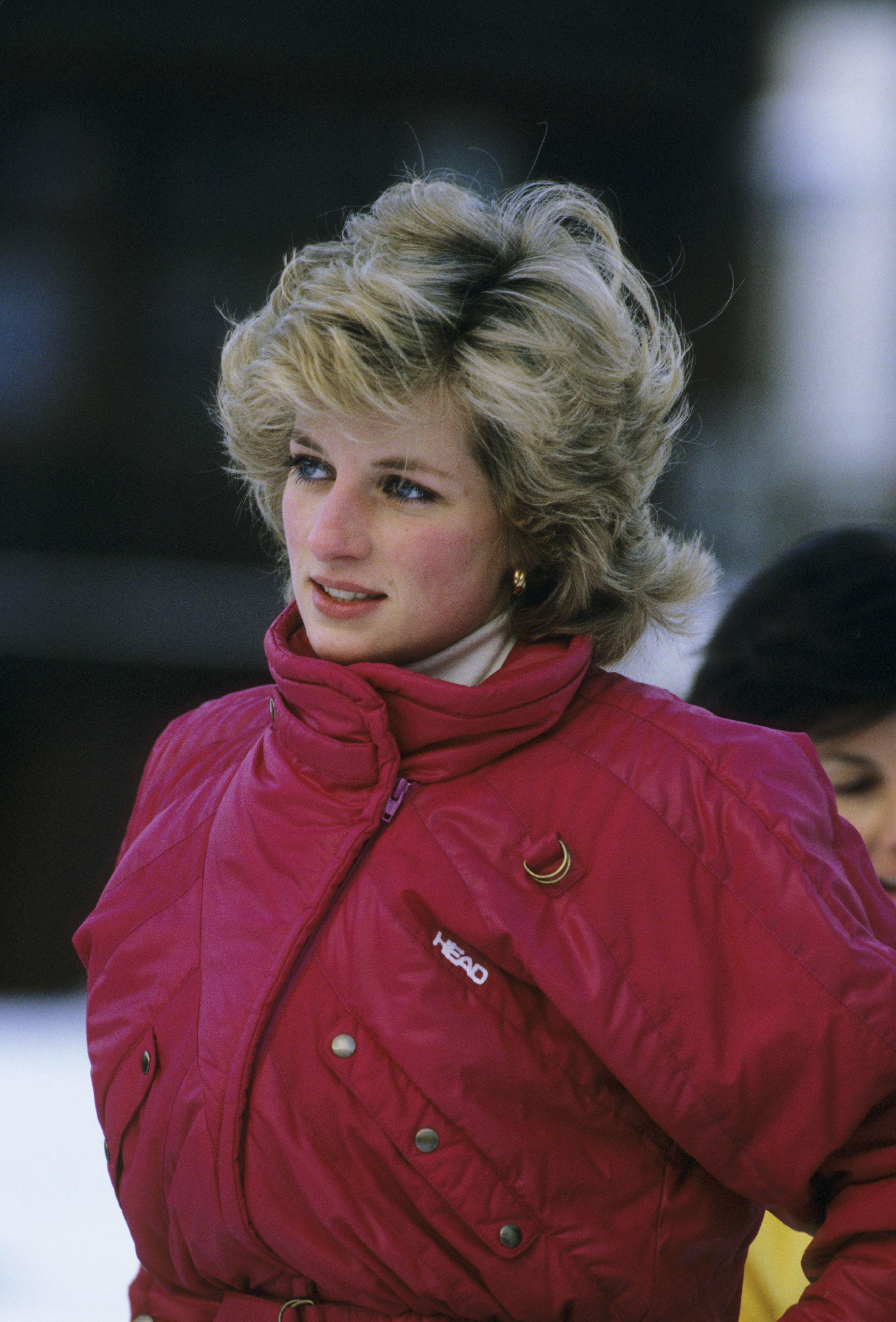 89fa1f4e98 Best Women s Ski Fashion - Most Elegant Women s Ski Clothes
