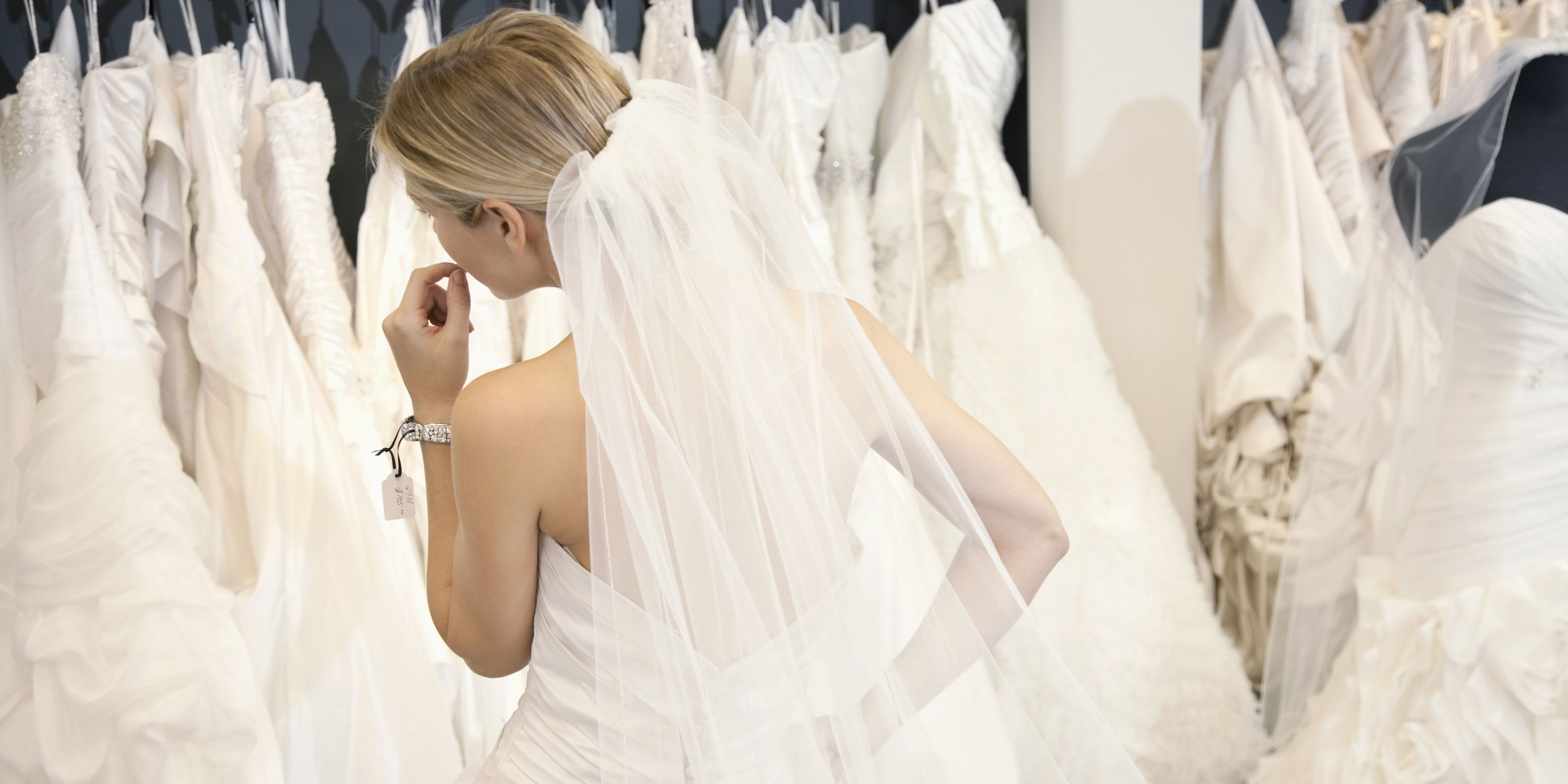 a4eb020434bb Wedding Gown Shopping Etiquette - Rules To Keep In Mind Before ...