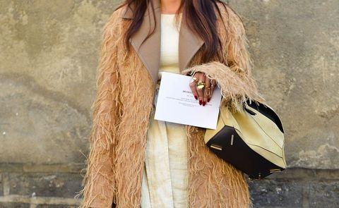 Textile, Collar, Street fashion, Beige, Khaki, Tan, Brown hair, Long hair, Fur, Blond,