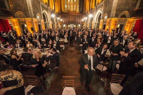 Hall, Chair, Audience, Musical ensemble, Light fixture, Function hall, Aisle, Convention, Restaurant,