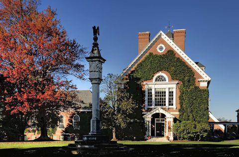 Pomfret Academy