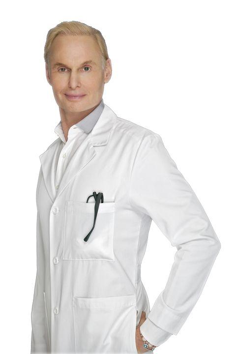 Clothing, Dress shirt, Collar, Sleeve, Shoulder, Standing, White, Pocket, Button, Workwear,