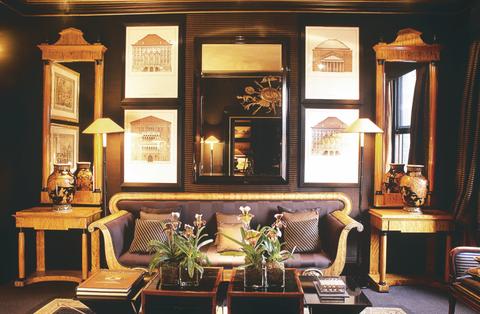 Interior design, Room, Lighting, Furniture, Table, Interior design, Living room, Picture frame, Lamp, Flowerpot,