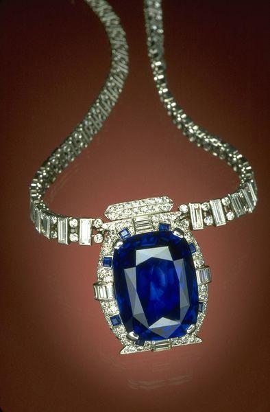 Jewellery, Product, Fashion accessory, Body jewelry, Necklace, Natural material, Aqua, Fashion, Black, Gemstone,