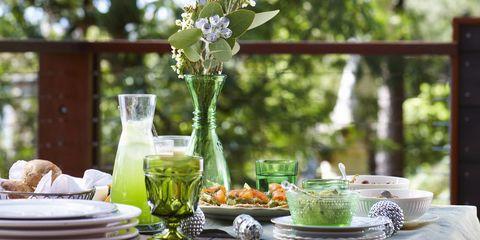 Serveware, Dishware, Table, Tableware, Ingredient, Drinkware, Plate, Glass, Drink, Porcelain,