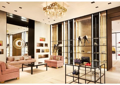 Interior design, Room, Floor, Ceiling, Couch, Furniture, Interior design, Wall, Living room, Light fixture,