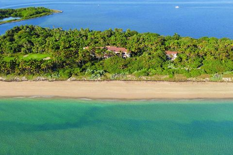 Body of water, Vegetation, Coastal and oceanic landforms, Coast, Water resources, Water, Natural landscape, Shore, Landscape, Bank,