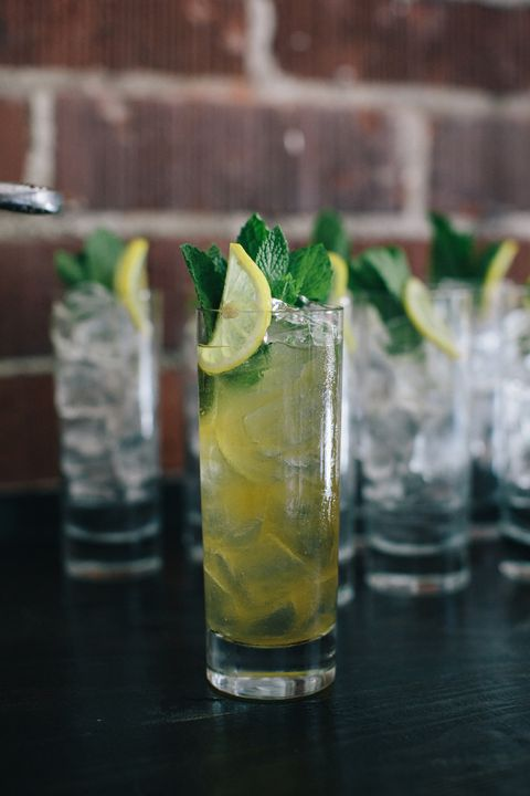 Drink, Mojito, Cocktail garnish, Non-alcoholic beverage, Lemonsoda, Alcoholic beverage, Distilled beverage, Caipirinha, Mint julep, Rickey,