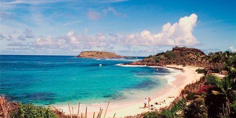 Body of water, Coastal and oceanic landforms, Nature, Coast, Shore, Cloud, Water, Natural landscape, Tourism, Landscape,