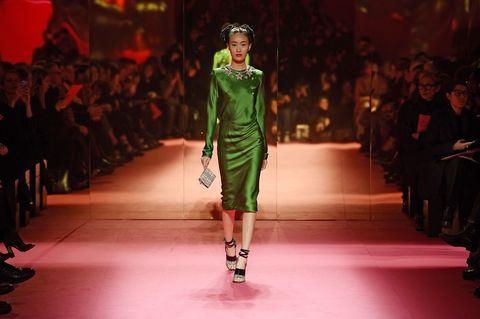 Footwear, Fashion show, Runway, Outerwear, Style, Fashion model, Fashion, Public event, Fashion design, Model,