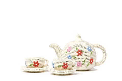 "Anne Claire Petit Organic Cotton Crocheted Tea Set, $89; <a target=""_blank"" href=""http://www.perfectlysmitten.com/collections/great-gifts-for-babies/products/organic-cotton-crocheted-tea-set"">perfectlysmitten.com</a>   <!--EndFragment-->"