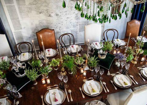 Dishware, Serveware, Furniture, Room, Interior design, Tableware, Barware, Glass, Centrepiece, Home accessories,