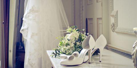 Petal, Photograph, White, Flower, Bouquet, Cut flowers, Interior design, Purple, Bridal veil, Lavender,